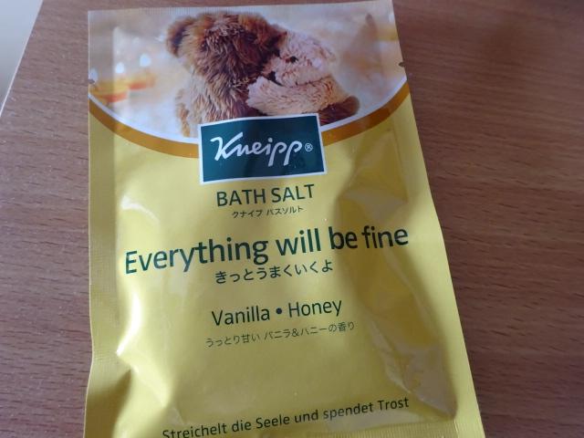 クナイプ バスソルト バニラ&ハニーの香り 甘い匂いに包まれる