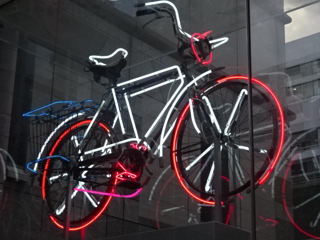 浮かぶ自転車【今日の一枚】