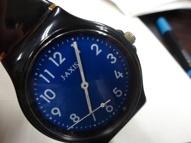 腕時計が壊れた、秒針が外れることってあるんだね・・・