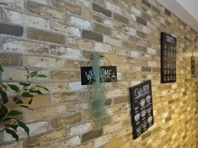 カフェの壁