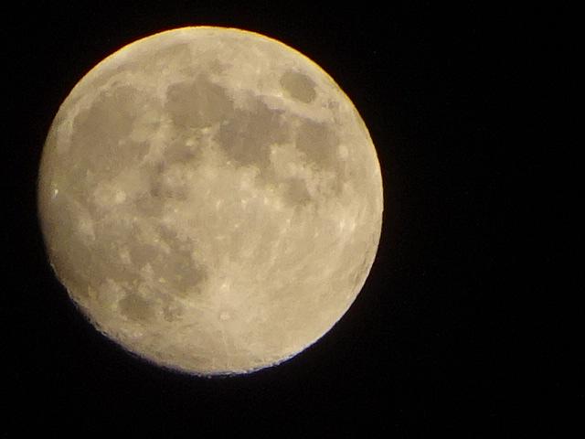 今日は蠍座の満月(9:58)