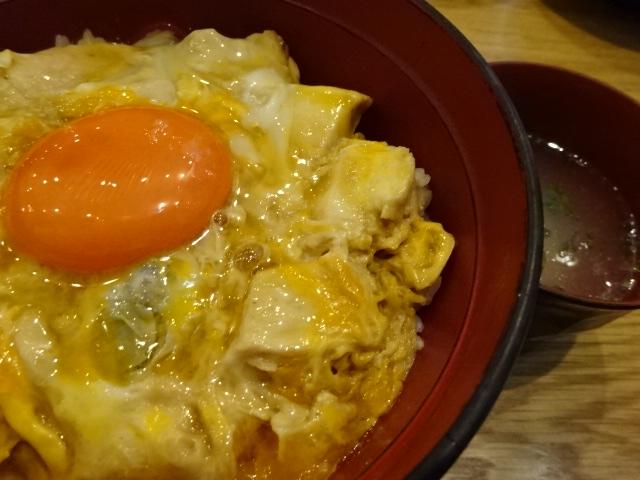 鶏味座(とりみくら) 京橋エドグラン店 炭火焼き親子丼 美味しかった。