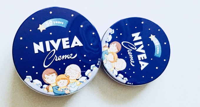 50周年記念のニベアクリーム(ニベアの青缶) さくらももこさんのイラスト缶 かわいい。