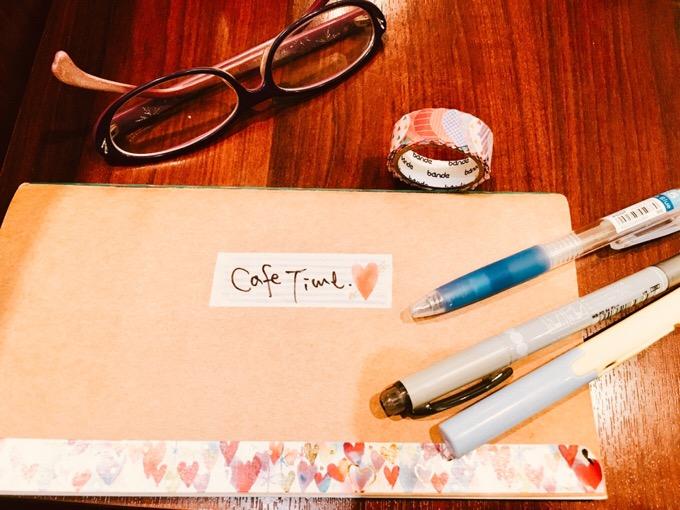 カフェタイムのコーヒーと手帳と。【今日の一枚】
