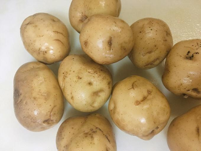 炊飯器を使ってジャガイモ料理 じゃがいもとベーコンとボーンブロススープ