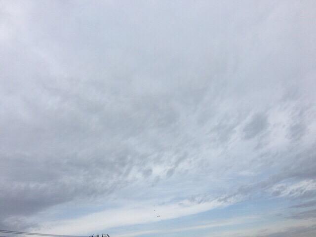 白い雲ばかりだと、うまく撮れない。今日の空を記しておこう。2018Dec26