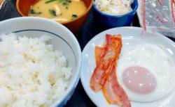 なか卯で朝ごはん定食。はじめての、、、。