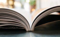 公式 TOEIC Listening & Reading 問題集 5は辛子色の表紙。6月21日発売。