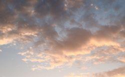 今日の空を記しておこう。2019Sep24 朝焼けといつもの青空と。