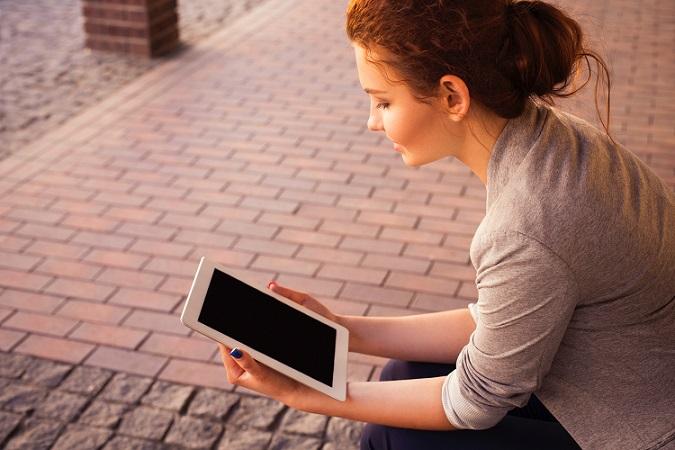 旅行先でオンライン英会話は可能かどうか。WiFiレンタルするならデータ無制限を選びましょう