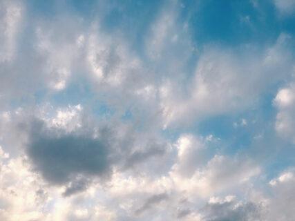 今日の空を記しておこう。2021Apr06